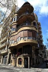Mi primera oficina, en un edificio del arquitecto modernista Jujol